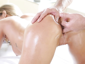 Blowjob On The Massage Table From A Hot Blonde