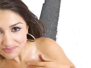Sweetheart Scarlet Banks Gets A Hot Facial