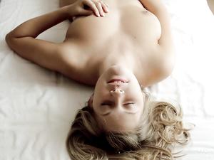 Masturbating Teen Has A Beautiful Orgasm Face