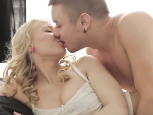 Young Ass Of A Hot Blonde Painted With His Cumshot