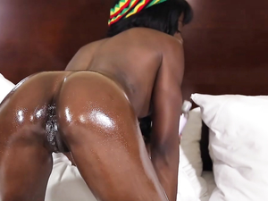 Great Interracial And A Facial With A Hot Black Chick